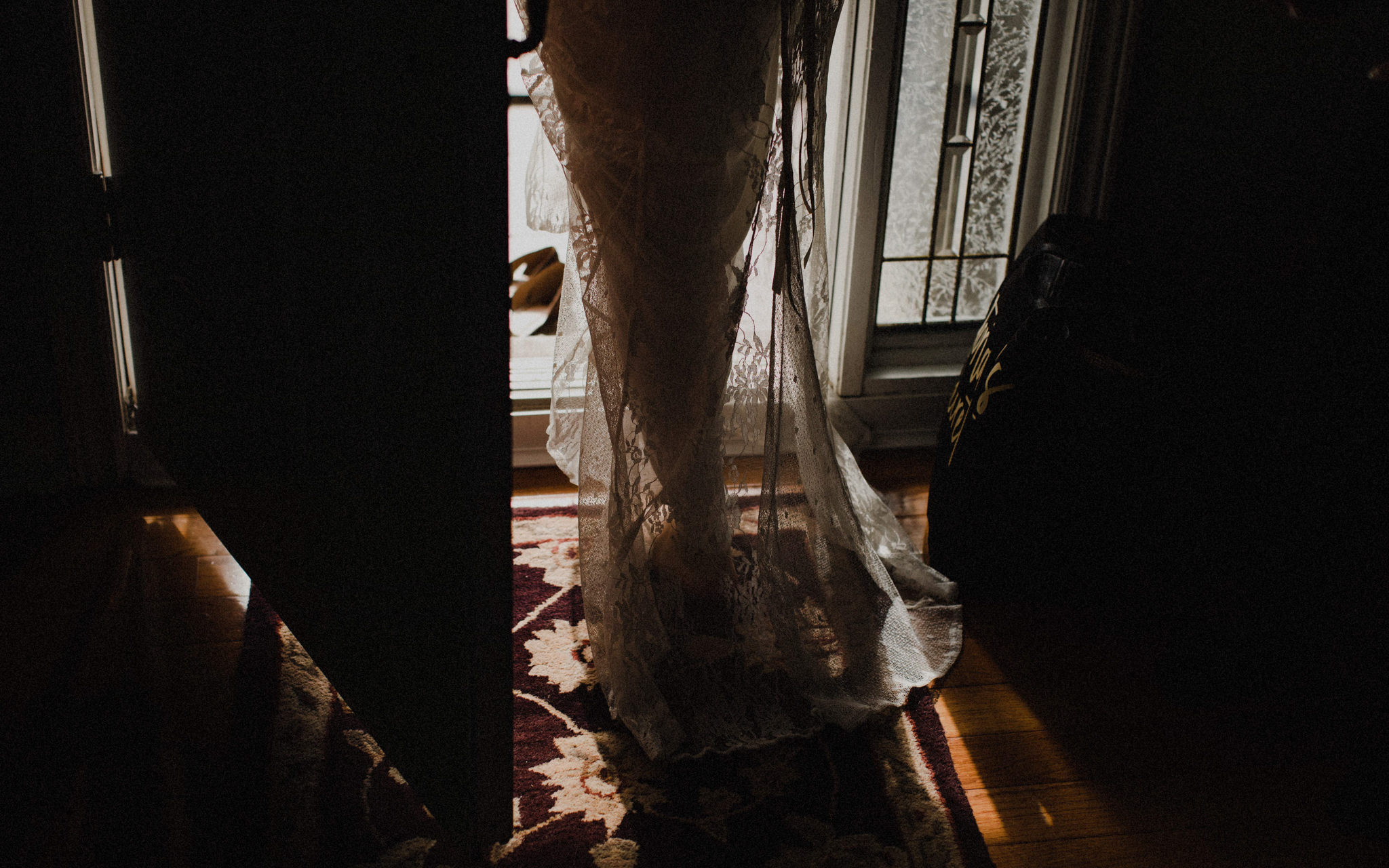 bride leaves for church