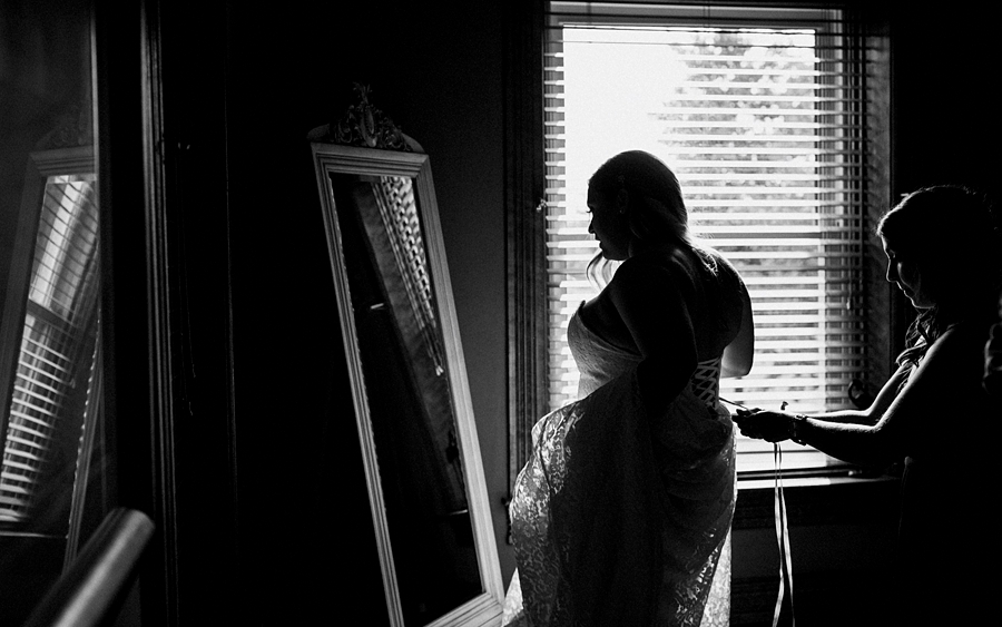 bride gets ready for ceremony